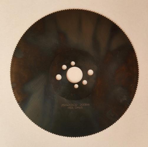 пильные диски HSS-E по стали, диски VAPO для стали, пильные диски для резки оконного армирования, пильные диски для оцинкованной стали, диски для резки оцинковки, пильные диски по нержавейке, диски для резки нержавеющей стали, диски для пакетной резки стали, пильные диски для малообортных станков